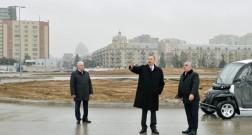 Президент Ильхам Алиев знакомится со строительством Бульвара White City