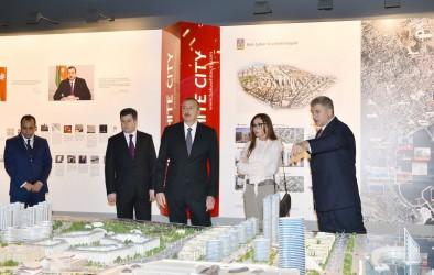 Президент Ильхам Алиев ознакомился с павильоном Baku White City на Азербайджанской международной выставкой недвижимости и инвестиций