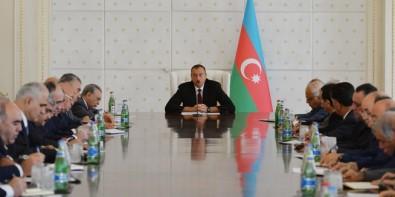 Под председательством президента Ильхама Алиева состоялось заседание Кабинета Министров, посвященное итогам социально-экономического развития в первом полугодии 2015 года