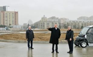 Президент Ильхам Алиев ознакомился с ходом строительных работ на бульваре Bakı Ağ Şəhər