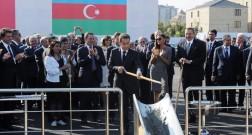Nikola Sarkozi Bakı Ağ Şəhəri ziyarət etdi