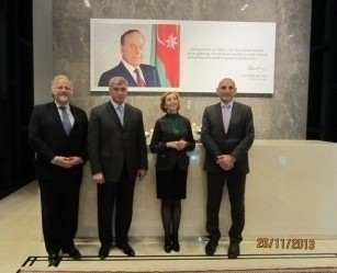 Делегация во главе с министром внешней торговли Франции, сопредседателем комиссии по двустороннему экономическому сотрудничеству Николь Брик посетила проект Baku White City.